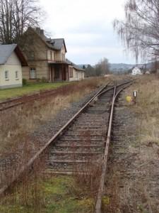 Der Bahnhof in Londorf, von 1959 bis 1981 Endbahnhof der 1902 in Betrieb genommenen Strecke in der Personenbeförderung. Ist der Kernort der Gemeinde Rabenau im Landkreis Gießen in einigen Jahren wieder Endpunkt des SPNV?