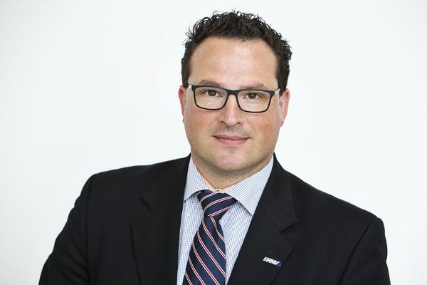 RMV-Geschäftsführer Dr. Andre Kavai - Bil Urheber Rhein-Main-Verkehrsverbund GmbH