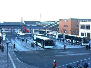 Vor dem Bahnhof in Gießen halten die Buslinien in die Stadt und in die umliegenden Kommunen.