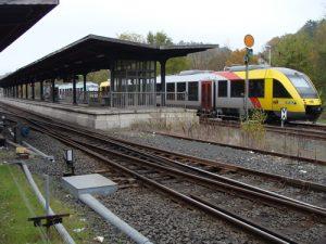 Die Lahntalbahn im Bahnhof Weilburg.