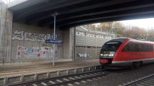 Der Bahnhof Obervellmar, mitten im Planungskorridor für die Kasseler Kurve nördlich von Kassel.
