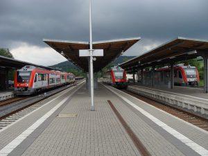 Die Odenwaldbahn im Bahnhof von Groß-Umstadt/Wiebelsbach.